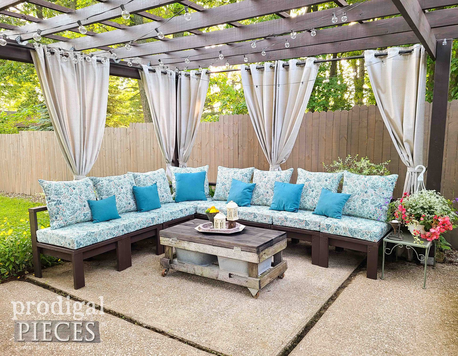 Finished DIY Patio Sectional by Prodigal Pieces | prodigalpieces.com #prodigalpieces #patio #diy #outdoor #entertaining