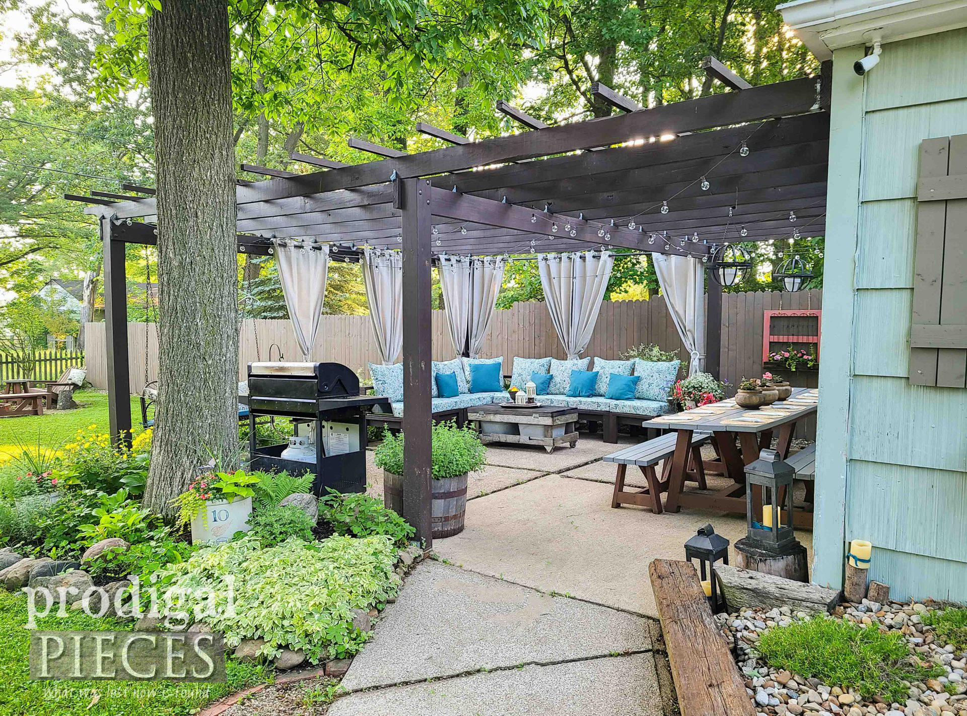 Patio with Pergola Makeover After by Larissa of Prodigal Pieces | prodigalpieces.com #prodigalpieces #patio #pergola #outdoor