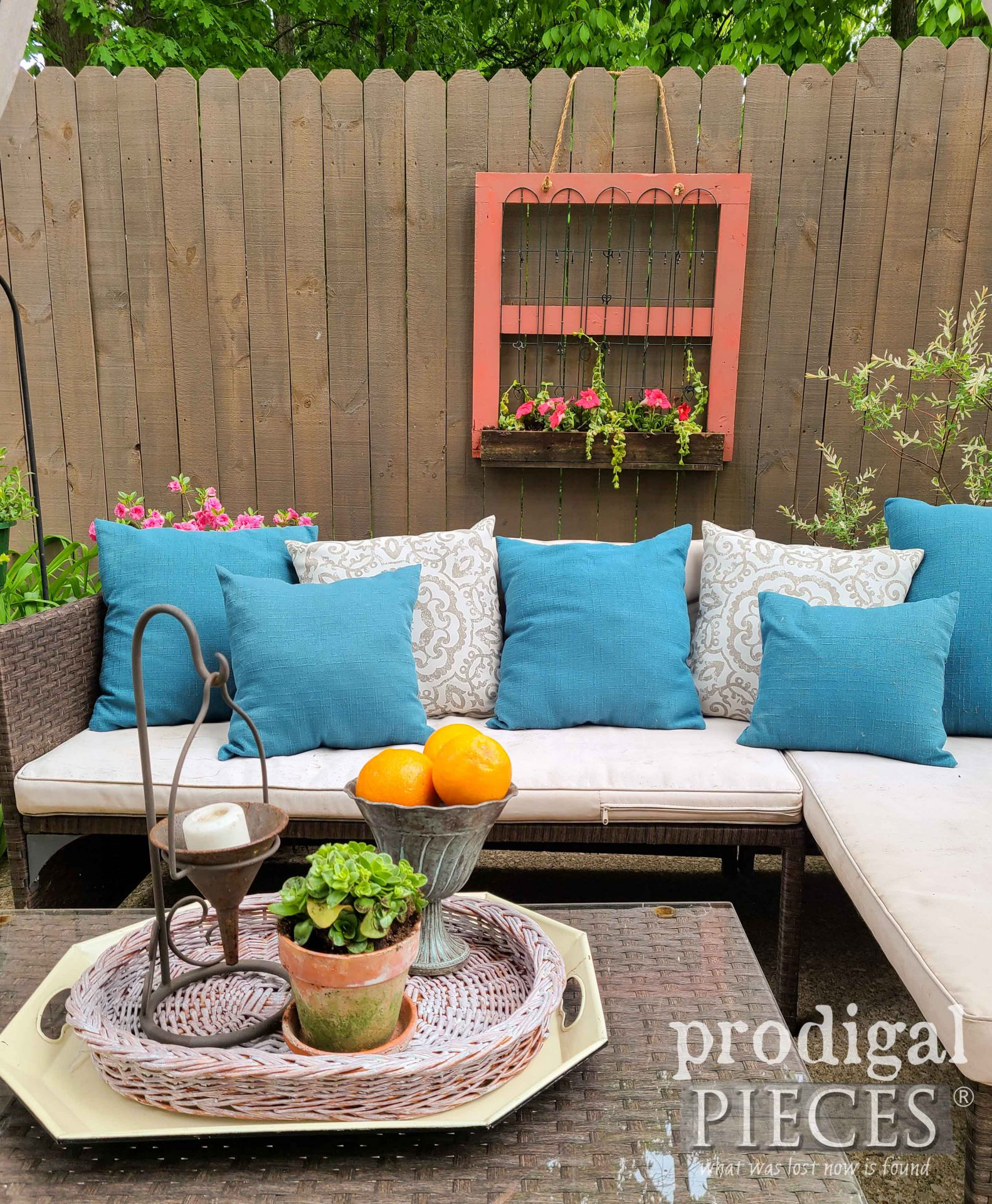 Upcycled Hanging Fence Planter Built by Larissa of Prodigal Pieces | prodigalpieces.com #prodigalpieces #garden #home #flowers #homedecor