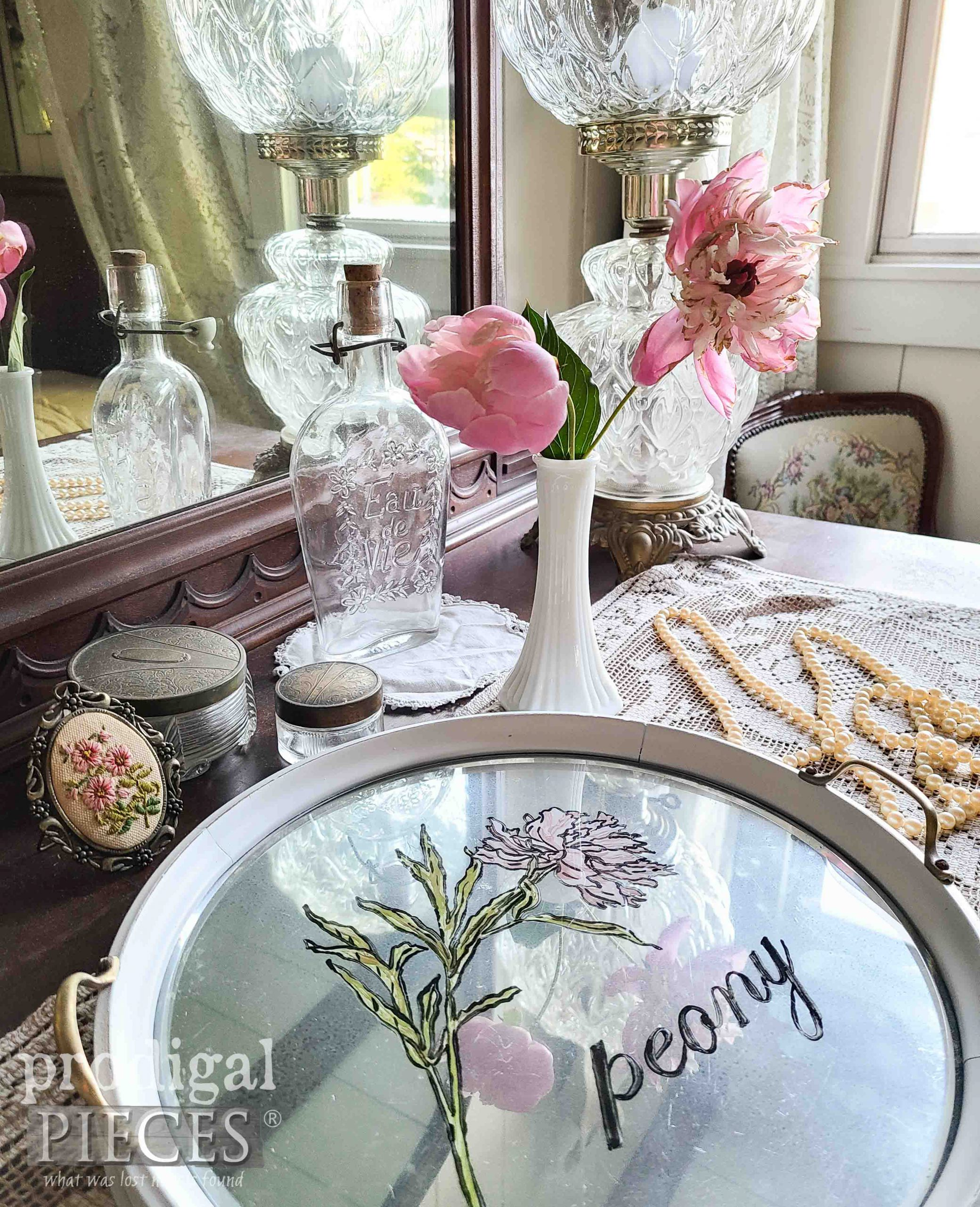 Vintage Style Peony Tray by Larissa of Prodigal Pieces | prodigalpieces.com #prodigalpieces #shabbychic #home