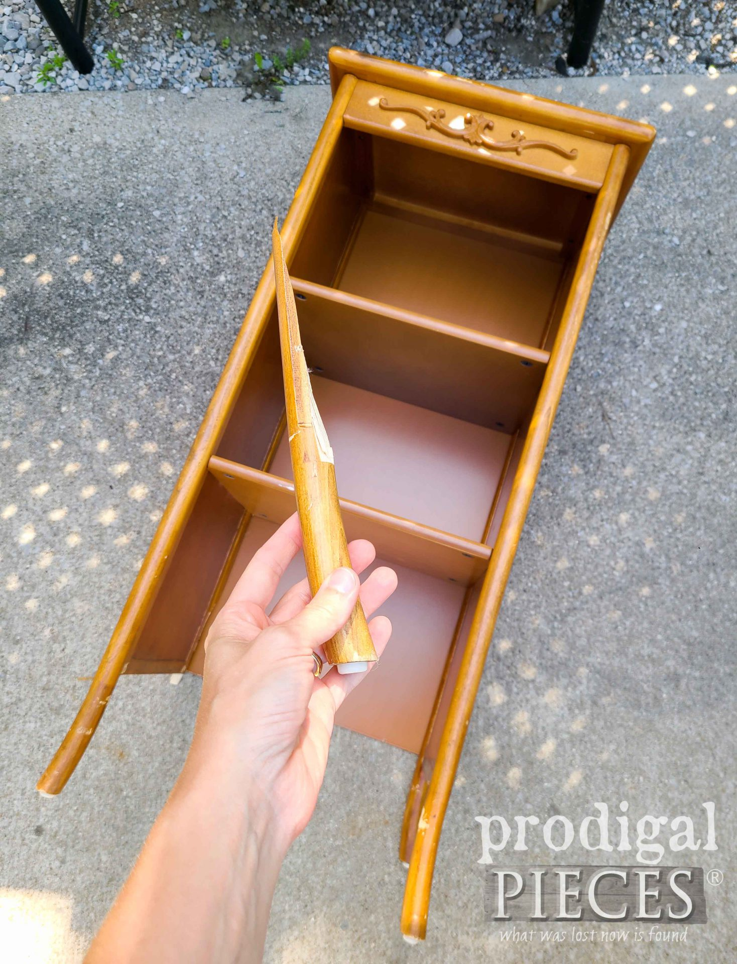 Broken Stand Before Upcycle by Larissa of Prodigal Pieces | prodigalpieces.com