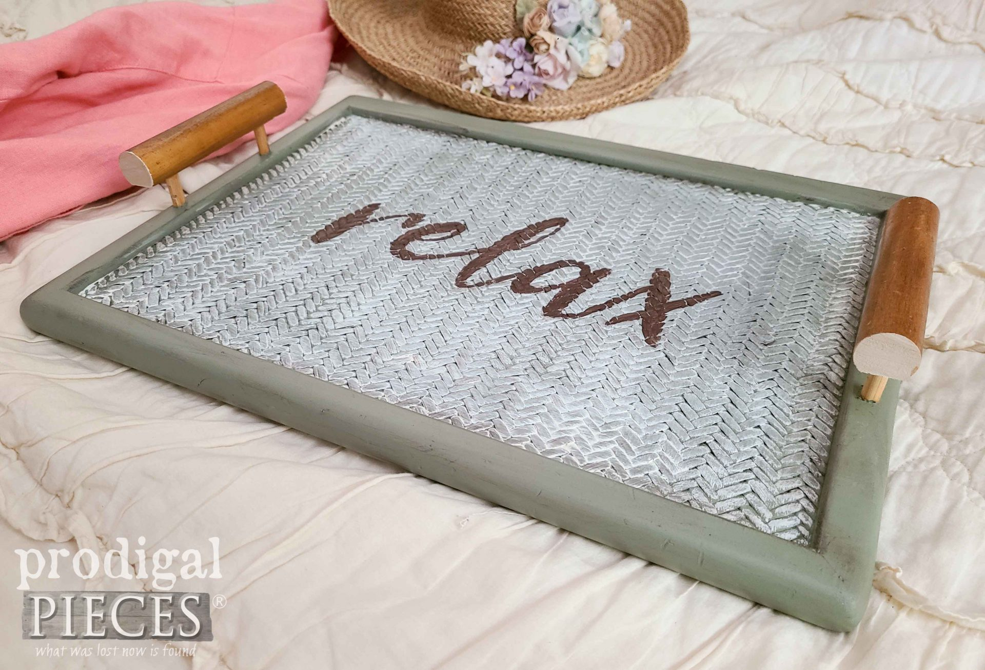 Vintage Style Serving Tray made by Larissa of Prodigal Pieces | prodigalpieces.com #prodigalpieces #diy #home #homedecor #farmhouse