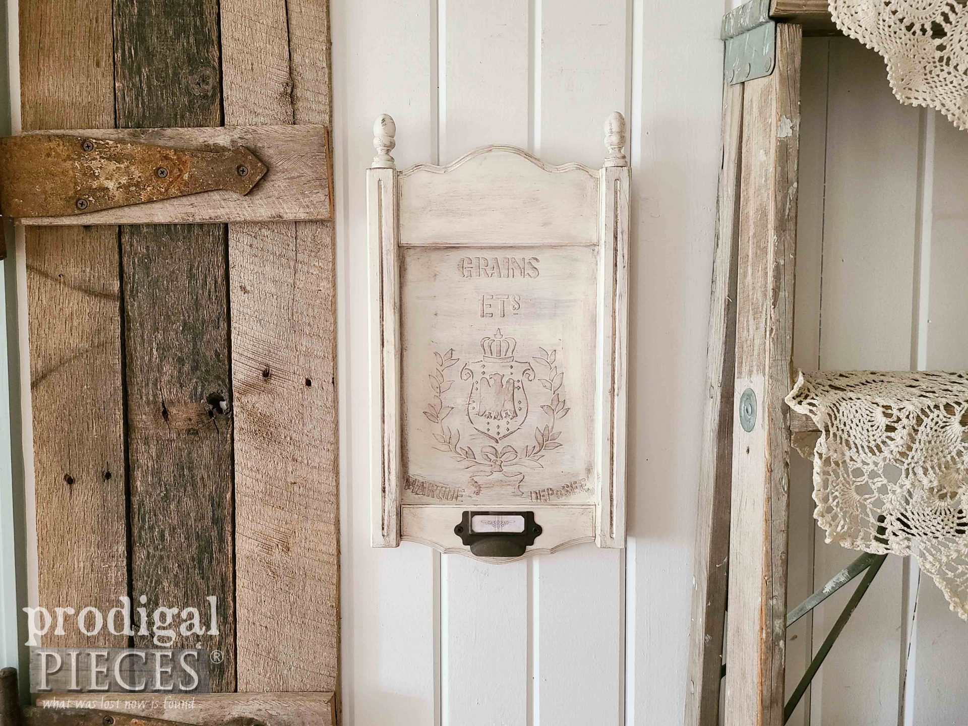 Farmhouse Chic Wall Art from Upcycled Frame with DIY Embossing by Larissa of Prodigal Pieces | prodigalpieces.com #prodigalpieces #farmhouse #chic #wallart