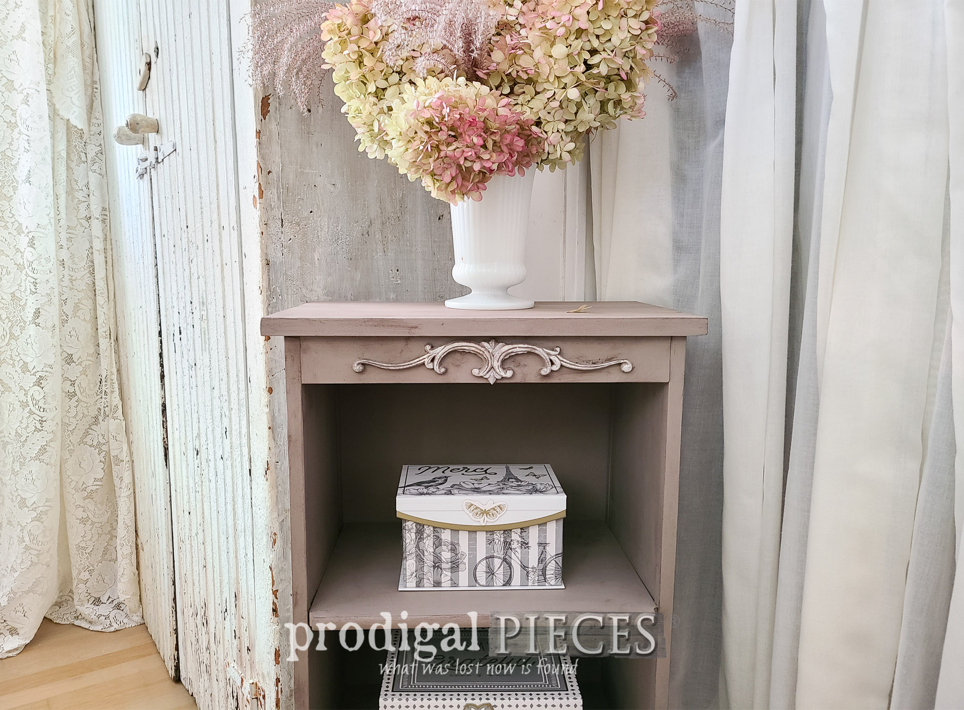 Featured Broken Furniture Upcycled into Home Decor by Larissa of Prodigal Pieces | prodigalpieces.com #prodigalpieces #diy #upcycled #home #homedecor #furniture