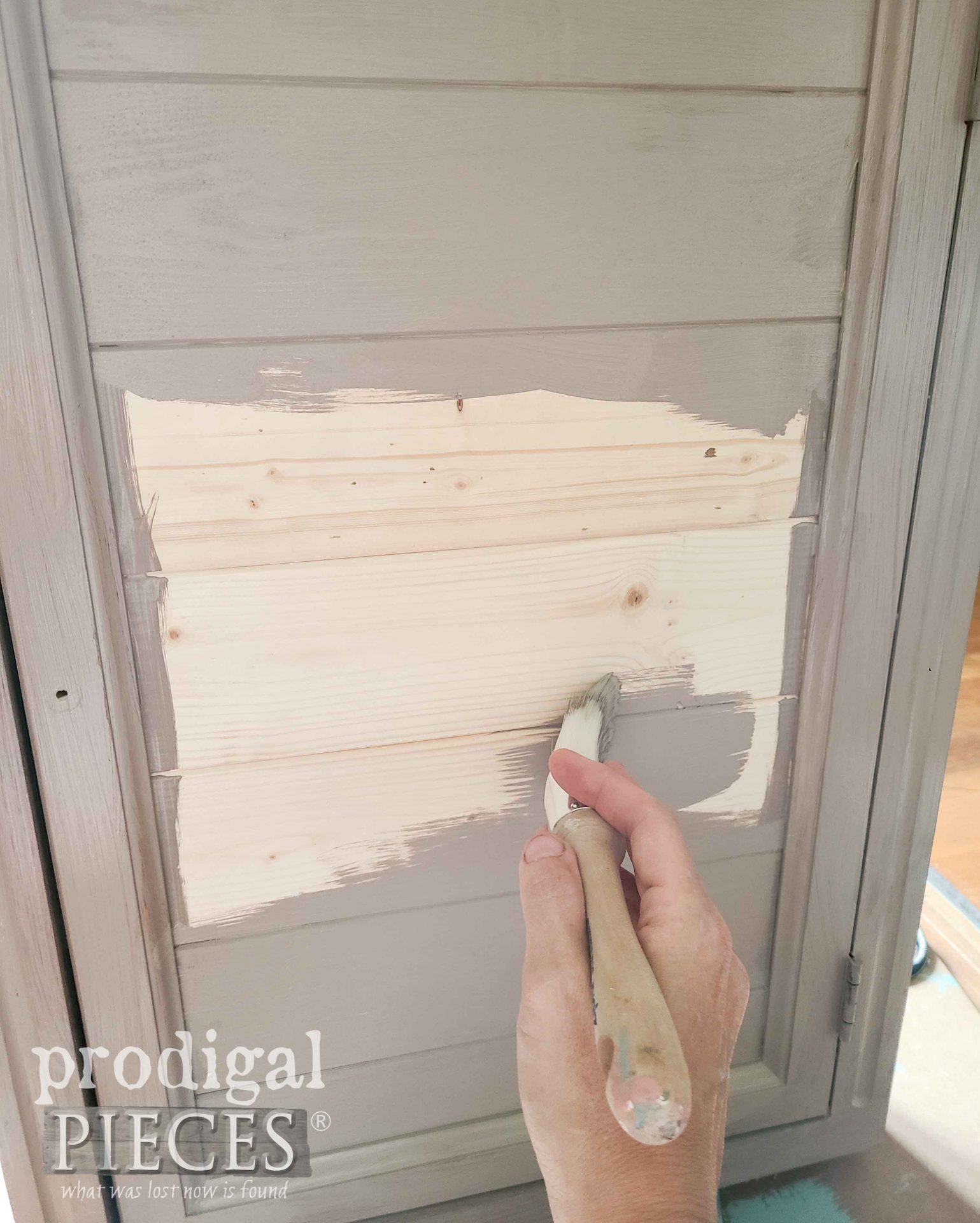 Painting Mirrored Medicine Cabinet for Makeover & Update by Prodigal Pieces | prodigalpieces.com #prodigalpieces