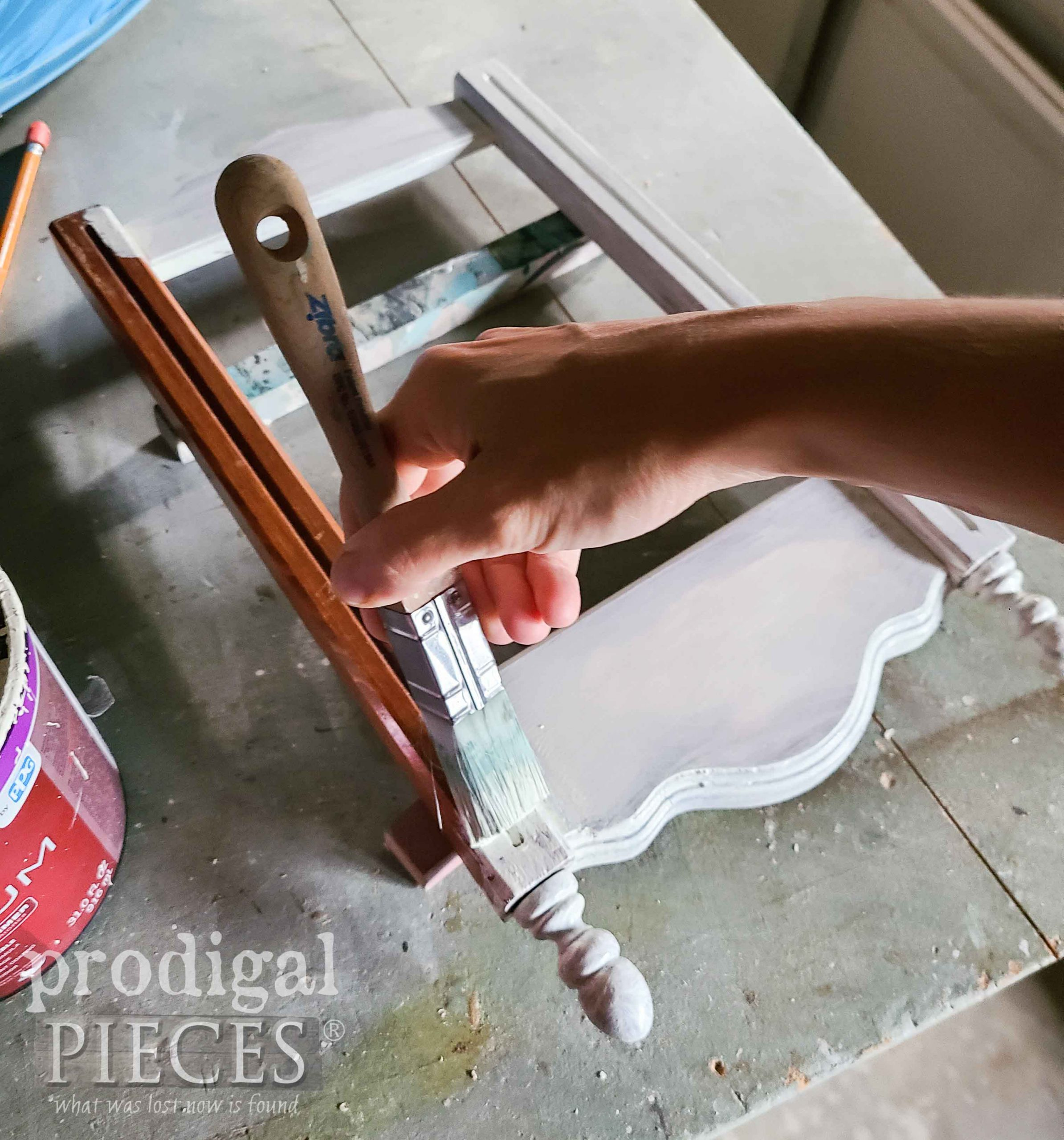 Painting Upcycled Frame with Antique White | prodigalpieces.com