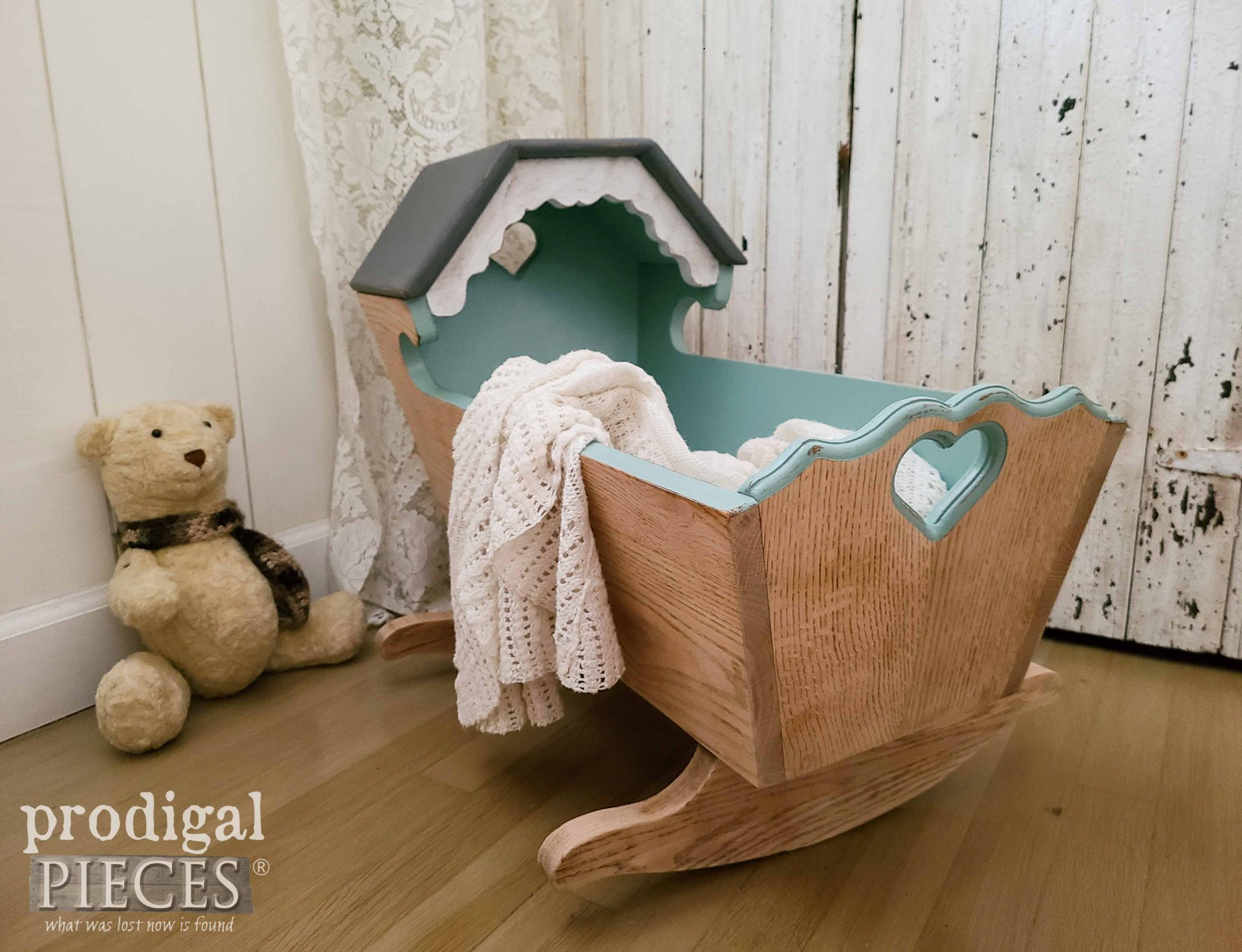 Rustic Farmhouse Style Handmade Vintage Baby Cradle by Larissa of Prodigal Pieces | prodigalpieces.com #prodigalpieces #home #farmhouse #diy #homedecor