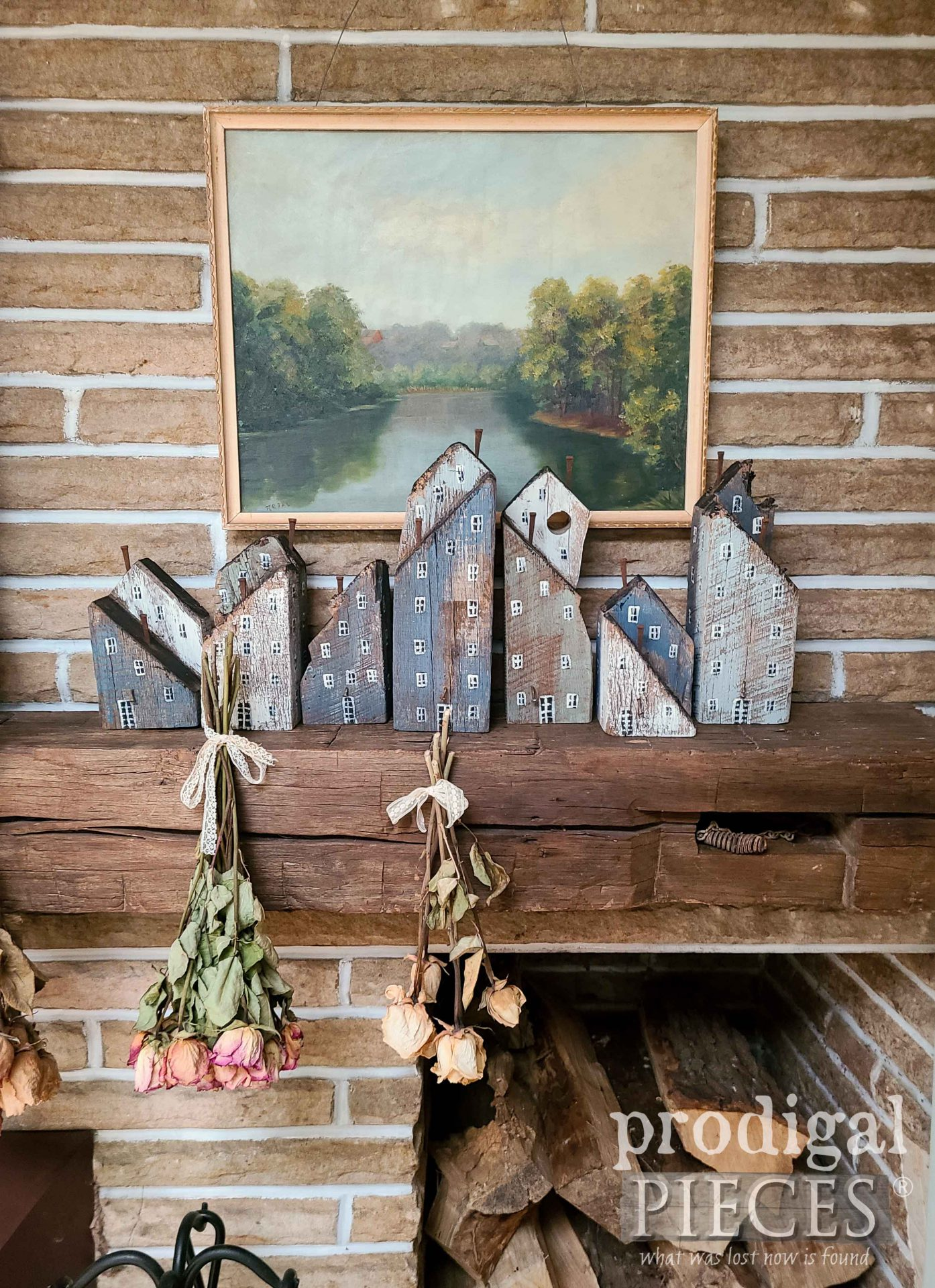 Create your own farmhouse style decor with reclaimed wood houses by Larissa of Prodigal Pieces | prodigalpieces.com #prodigalpieces #diy #farmhouse #homedecor