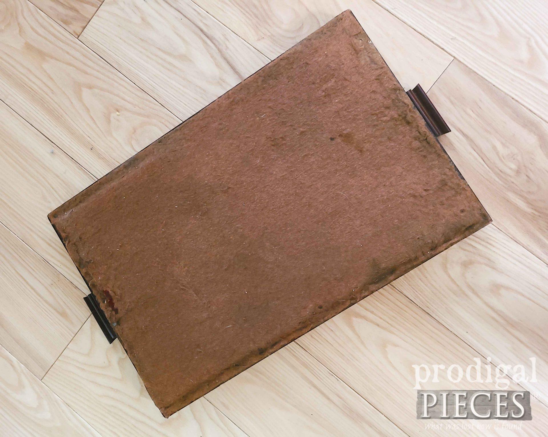Felted Back Tray Bottom by Larissa of Prodigal Pieces | prodigalpieces.com #prodigalpiees