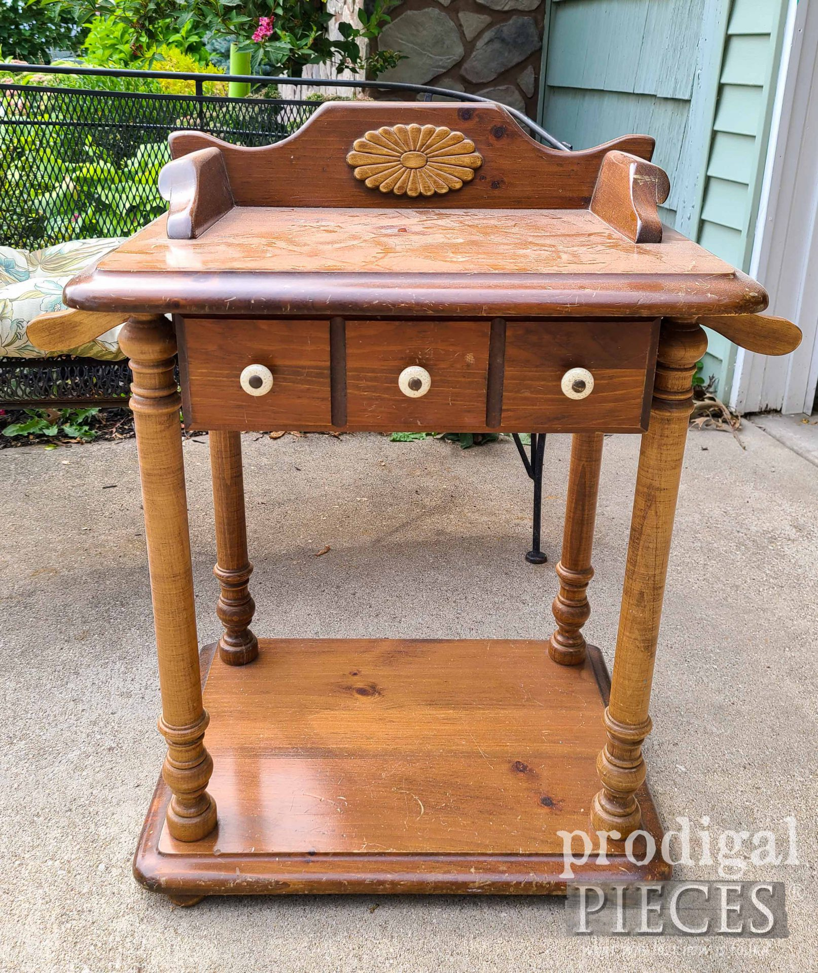 Wash Stand Before Makeover by Prodigal Pieces | prodigalpieces.com