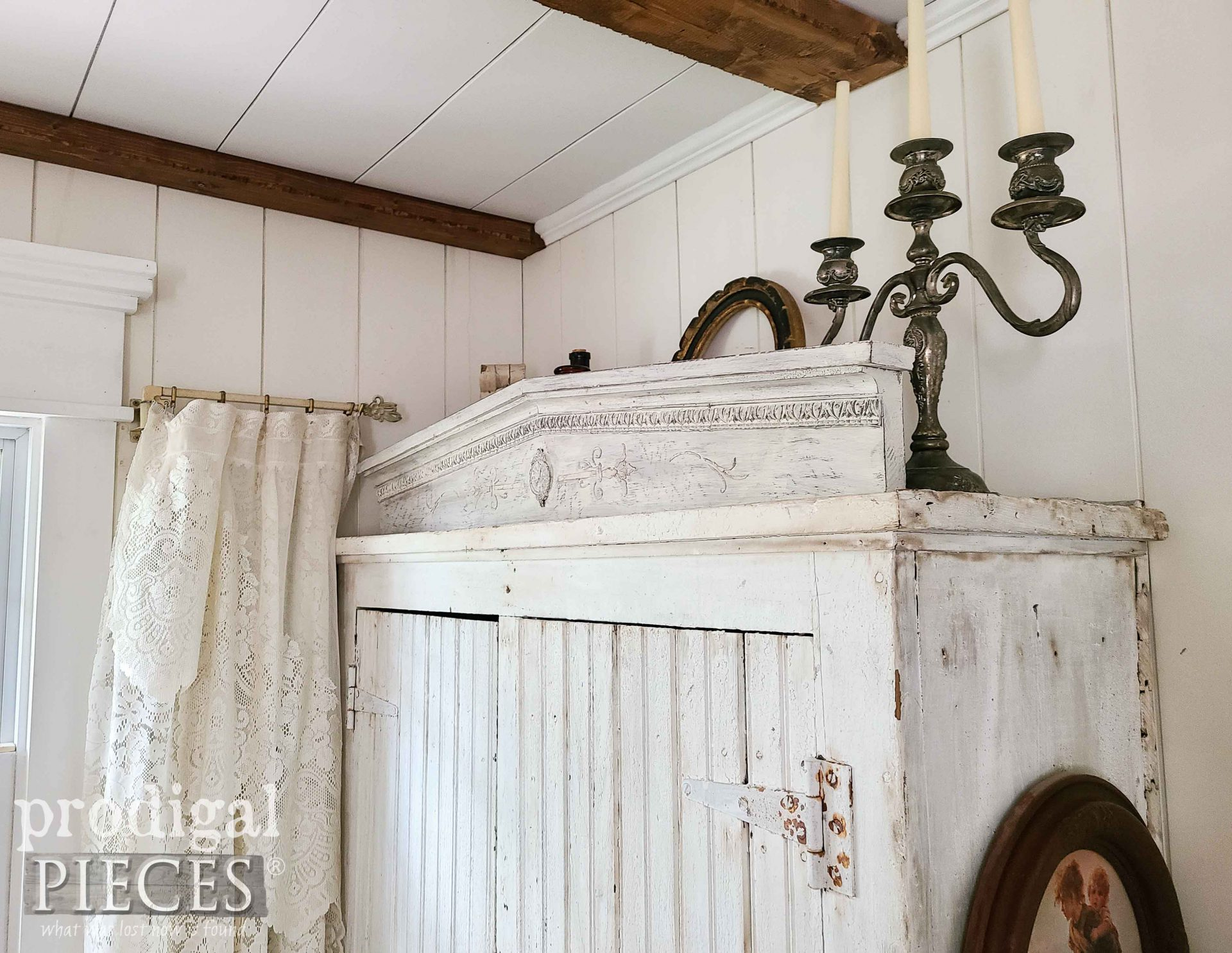 Chippy White Farmhouse Pediment with DIY Tutorial by Larissa of Prodigal Pieces | prodigalpieces.com #prodigalpieces #diy #home #farmhouse