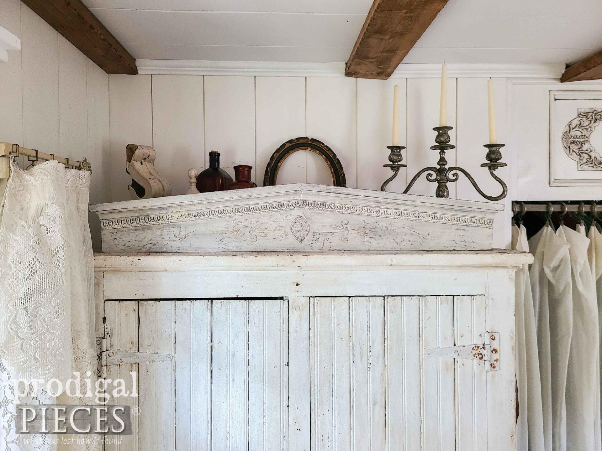 DIY Farmhouse Pediment from Box Store Decor by Larissa of Prodigal Pieces | prodigalpieces.com #prodigalpieces #farmhouse #rustic #diy #home
