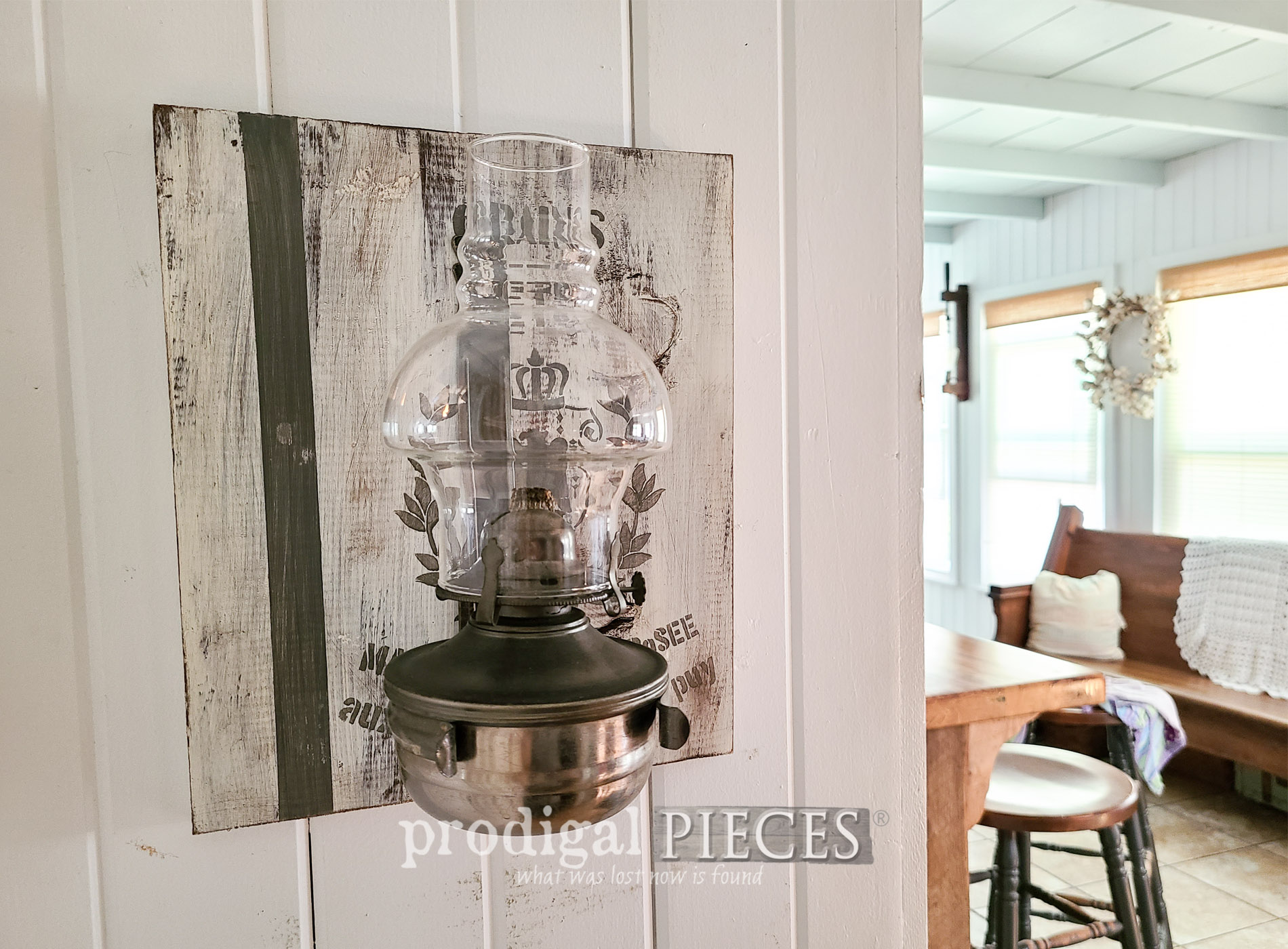 Featured Rustic Chic Home Decor from Thrifted Finds by Larissa of Prodigal Pieces | prodigalpieces.com #prodigalpieces #farmhouse #diy