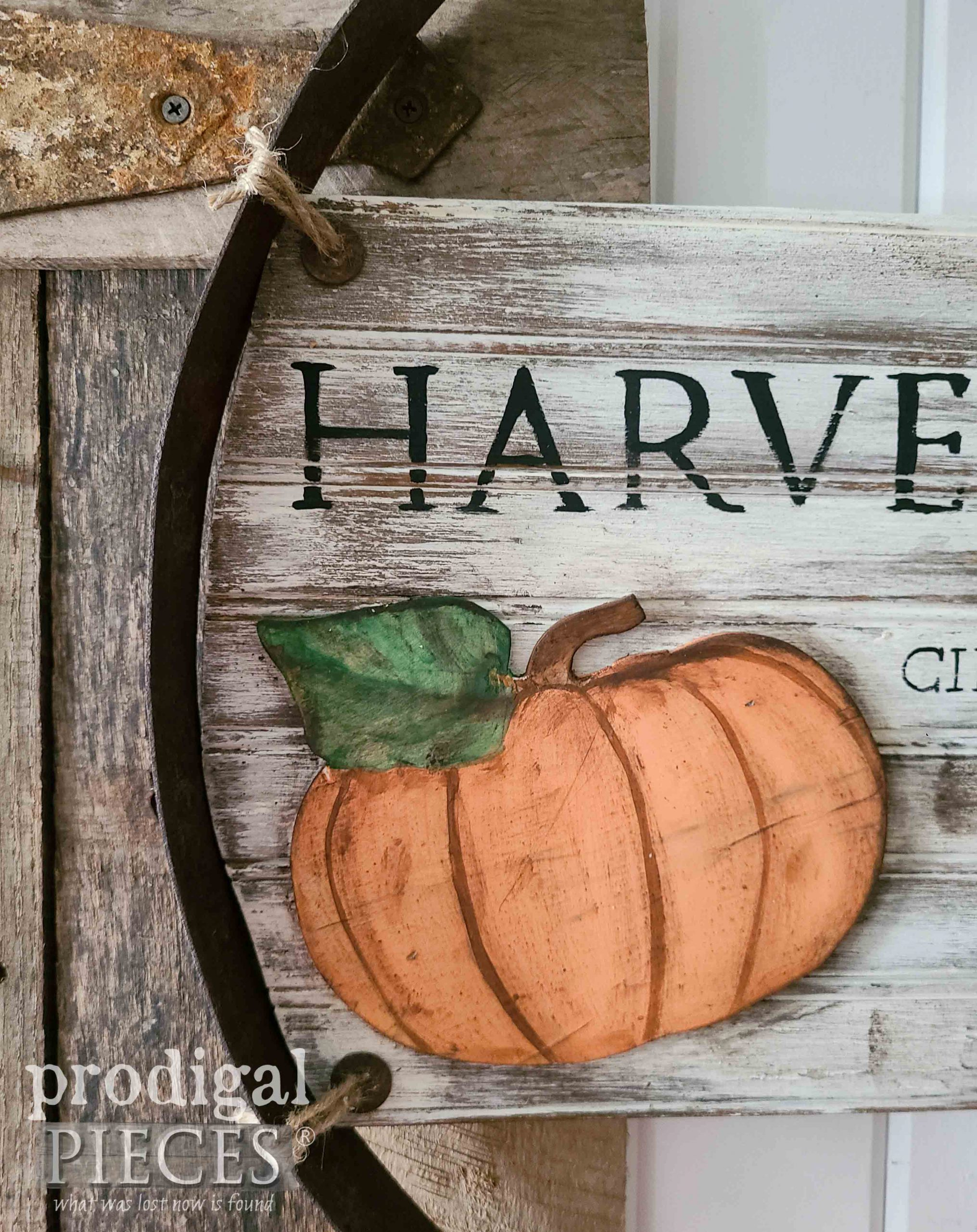 DIY Rustic Pumpkin Sign with Reclaimed Whiskey Barrel Sign by Larissa of Prodigal Pieces | prodigalpieces.com #prodigalpieces #farmhouse #pumpkin #fall