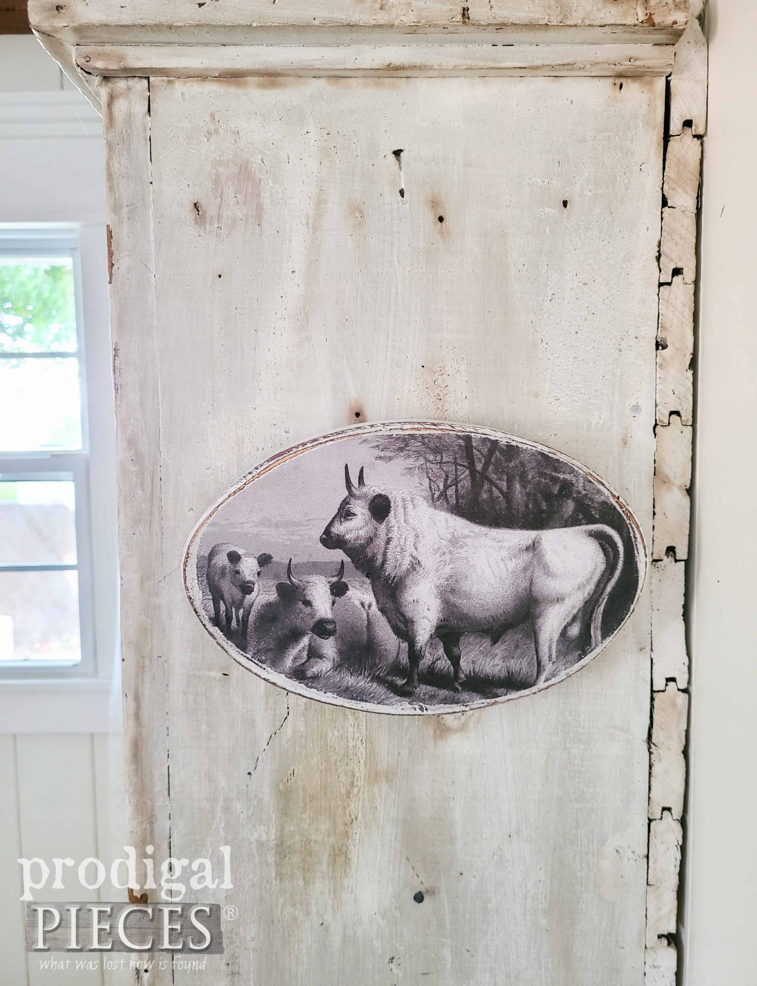 Black and White Cow Print Art | Prodigal Pieces | prodigalpieces.com #prodigalpieces #cow #farmhouse #art