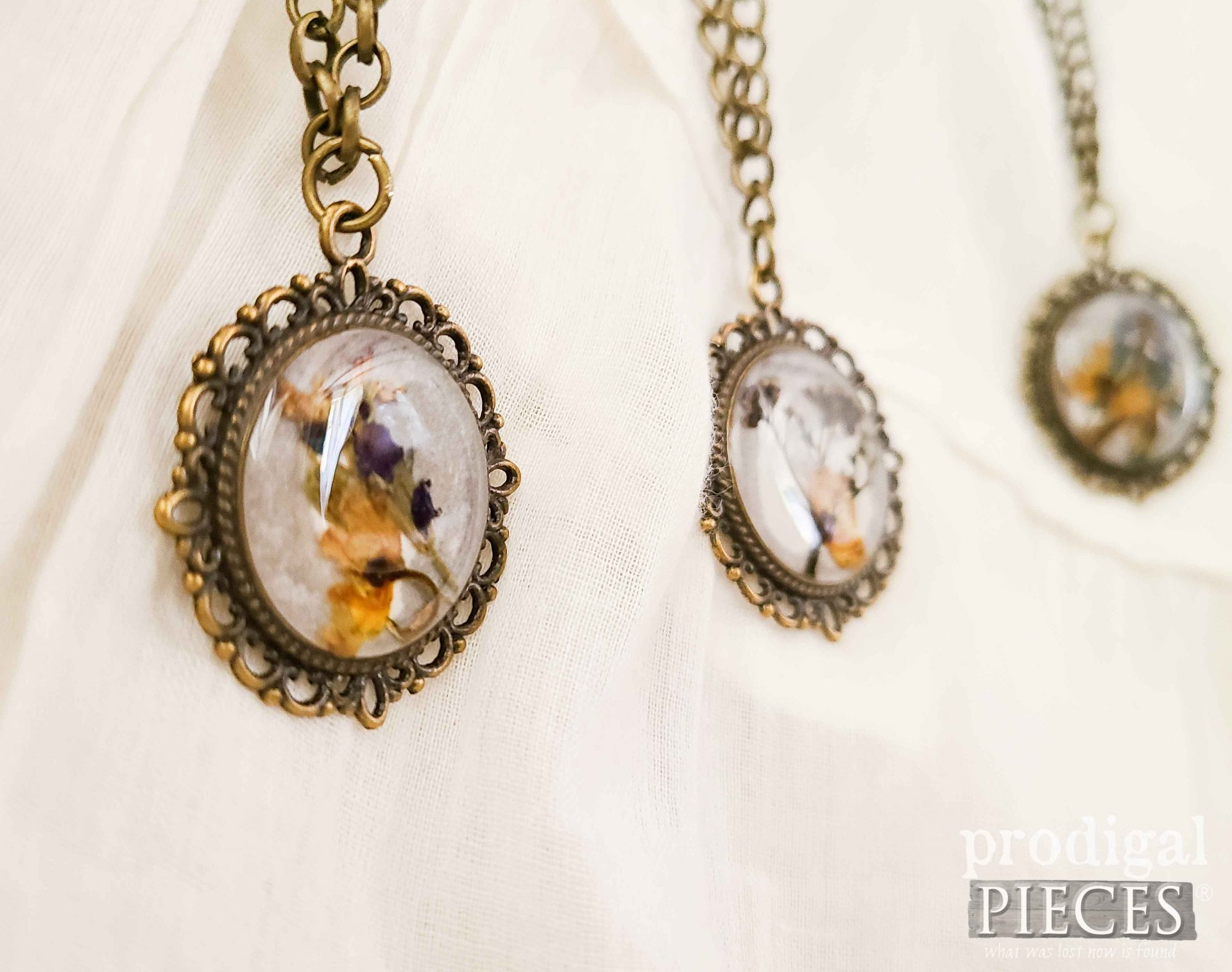 Dried Flower Resin Pendant for Necklace by Larissa of Prodigal Pieces   prodigalpieces.com #prodigalpieces #crafts #diy #jewelry #necklace #giftsforher