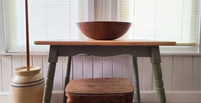 Mini Farmhouse Table Makeover & Update