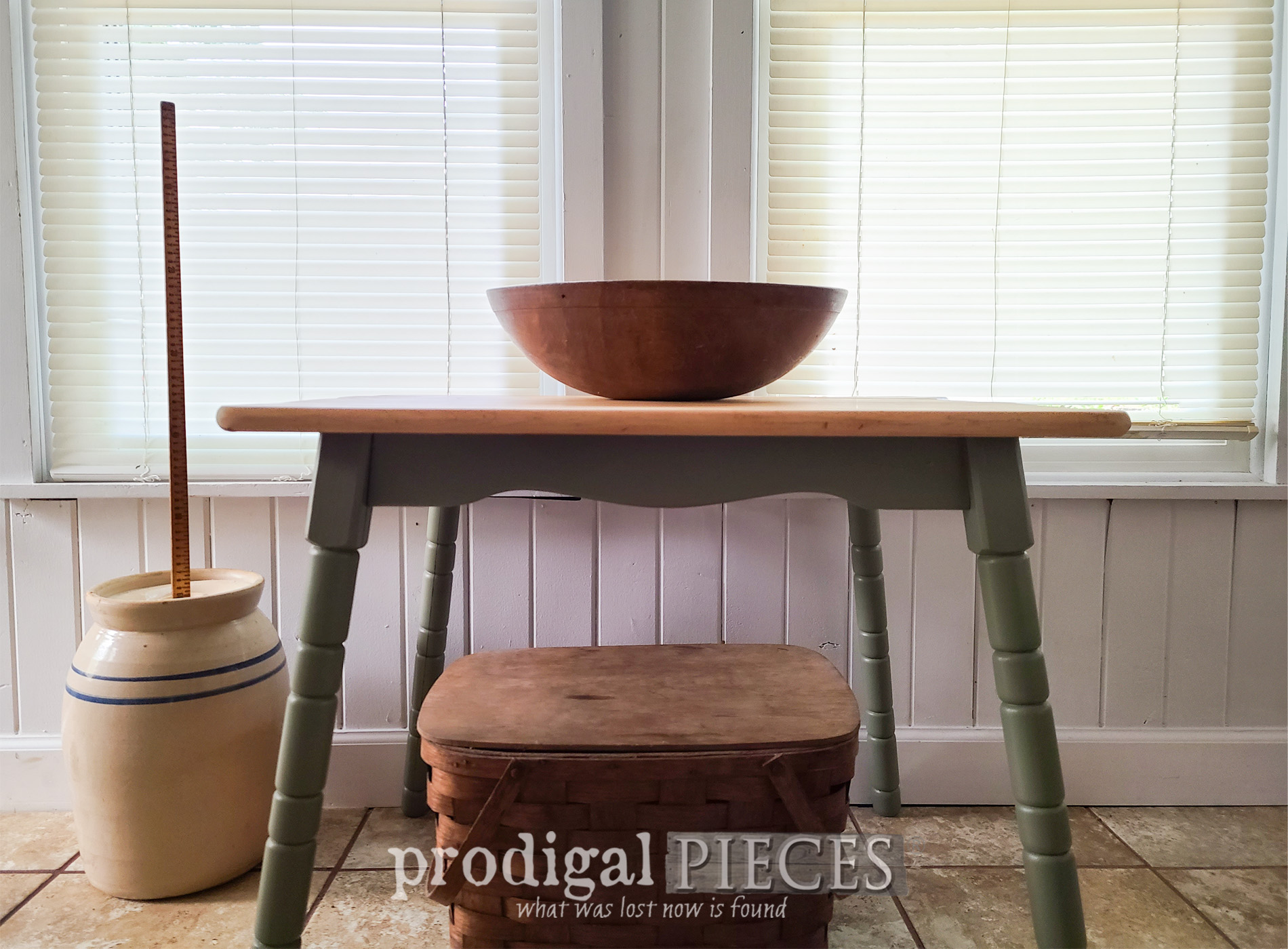 Featured Mini Farmhouse Table Makeover & Update by Larissa of Prodigal Pieces | prodigalpieces.com #prodigalpieces #farmhouse #table #diy #home #furniture