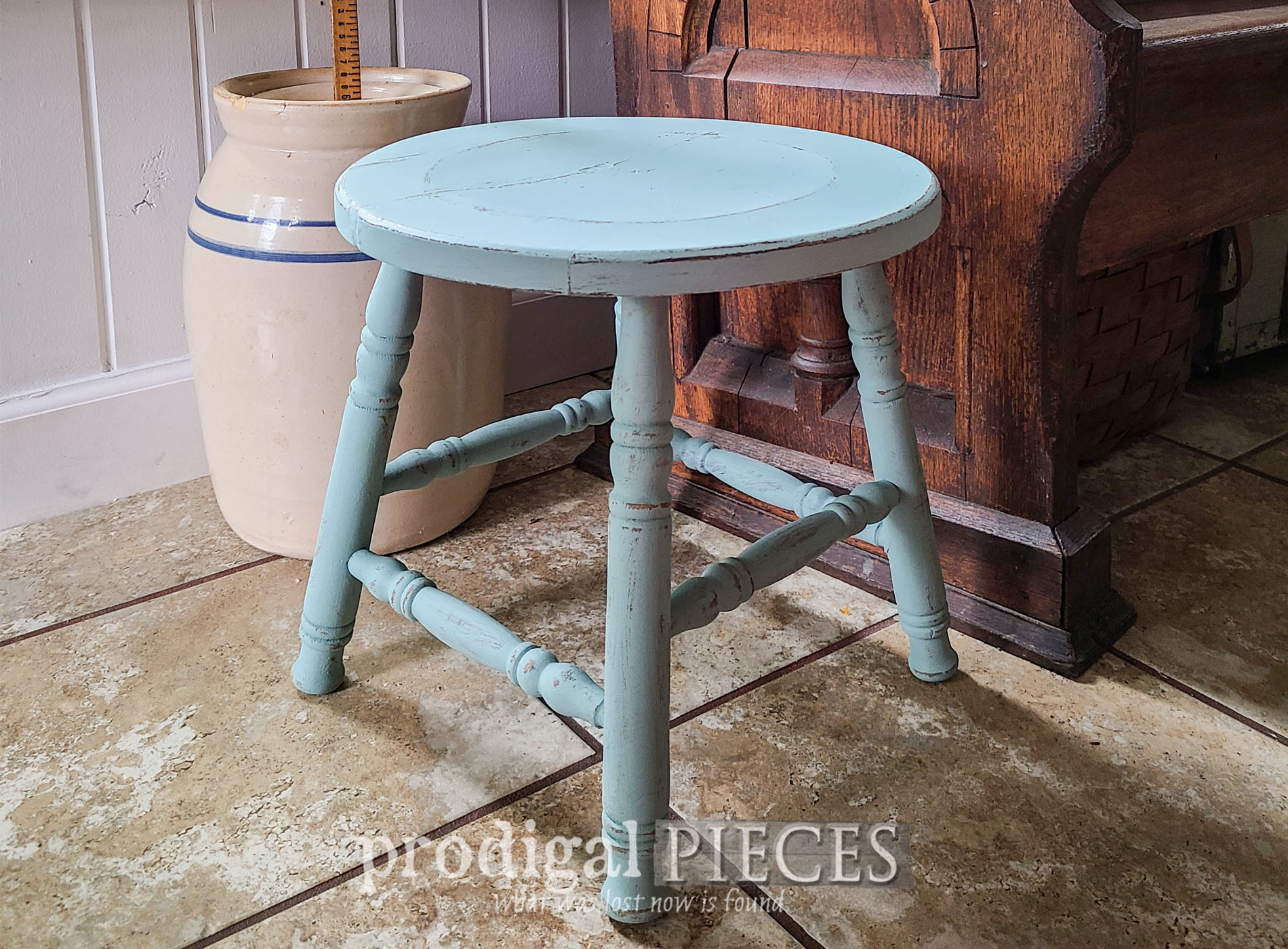 Featured Upcycled Bar Stool into Home Decor by Larissa of Prodigal Pieces | prodigalpieces.com #prodigalpieces #furniture #diy #home
