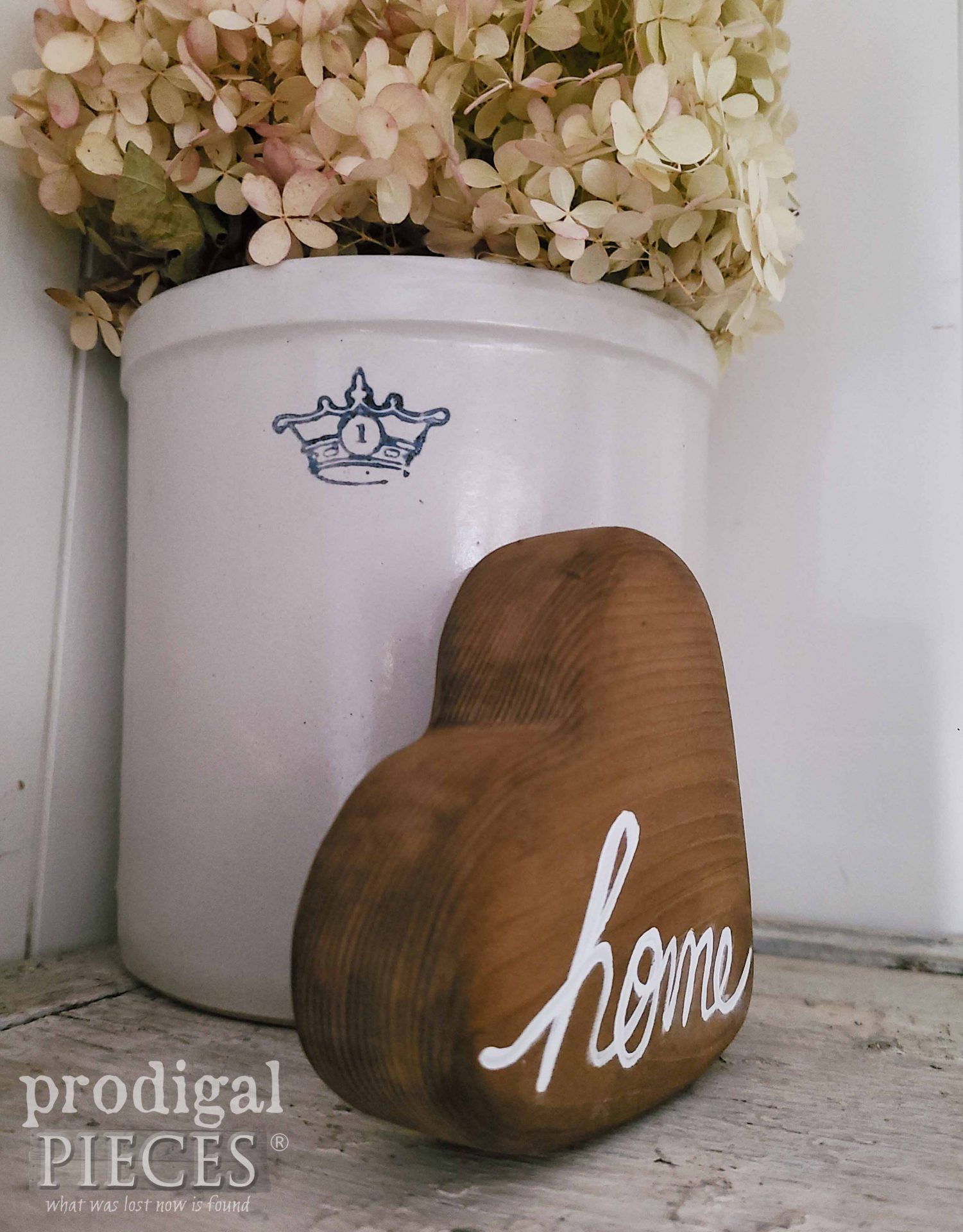 Side View Home Wooden Heart by Larissa of Prodigal Pieces | prodigalpieces.com #prodigalpieces #farmhouse #heart
